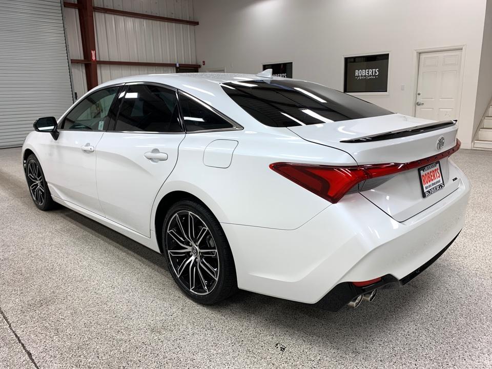 2019 Toyota Avalon - Roberts