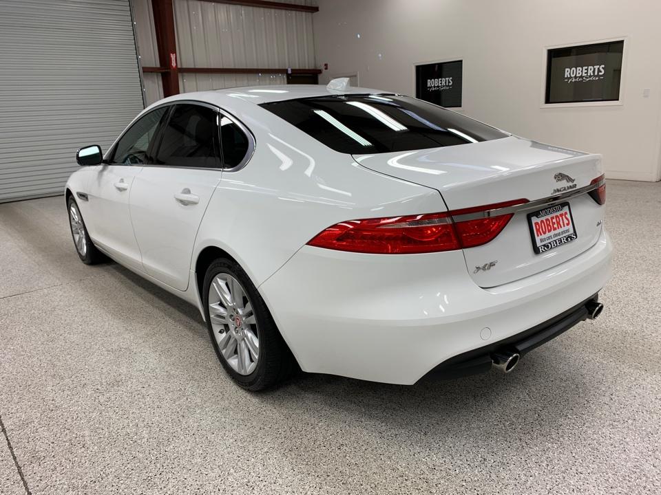 Roberts Auto Sales 2016 Jaguar XF