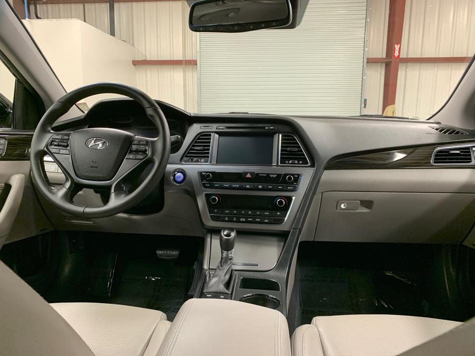 2017 Hyundai Sonata - Roberts