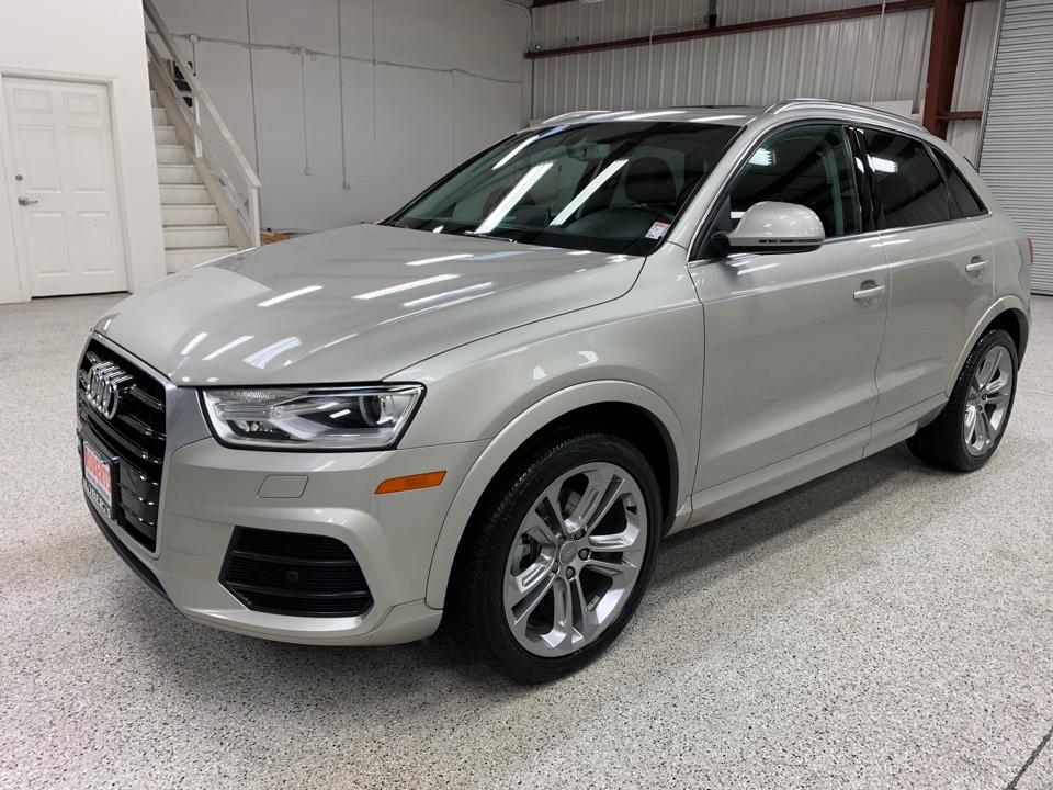 Roberts Auto Sales 2016 Audi Q3