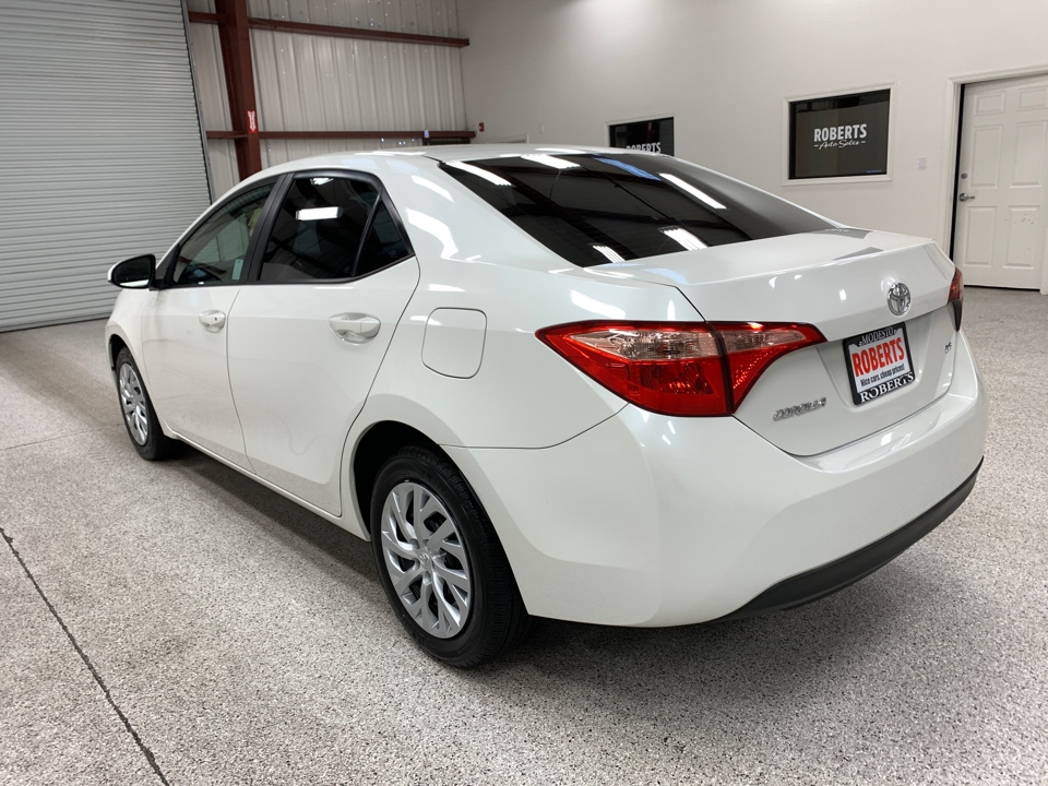 Roberts Auto Sales 2018 Toyota Corolla