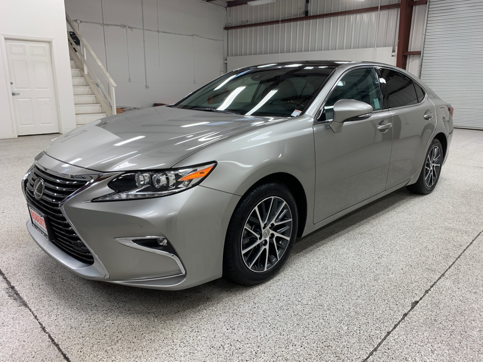 Roberts Auto Sales 2017 Lexus ES