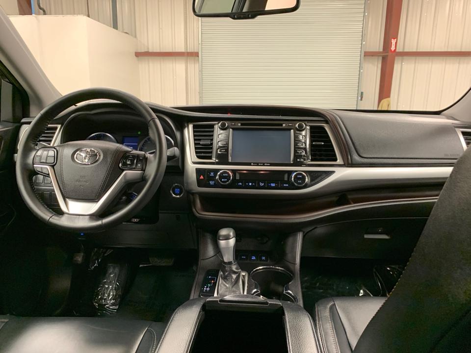 2016 Toyota Highlander - Roberts