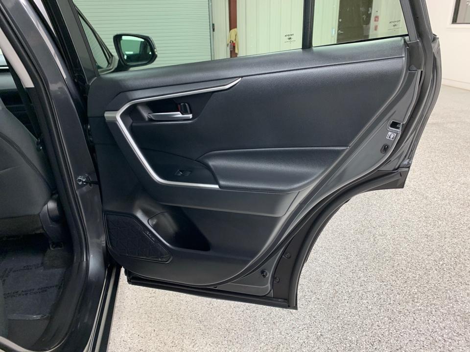 2019 Toyota RAV4 - Roberts