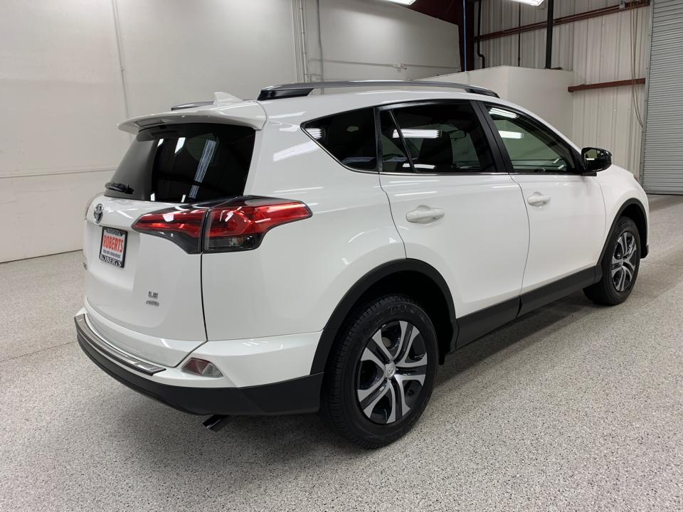 2017 Toyota RAV4 - Roberts