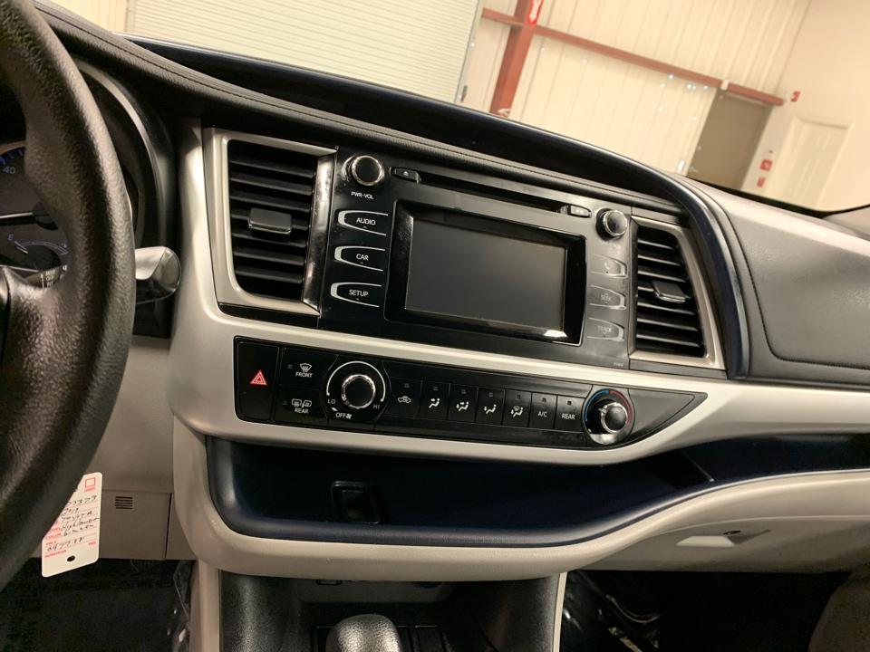 2019 Toyota Highlander - Roberts