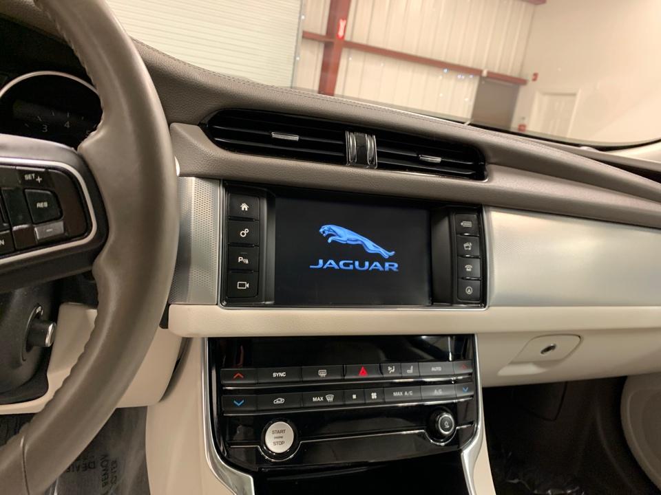 2017 Jaguar XF - Roberts
