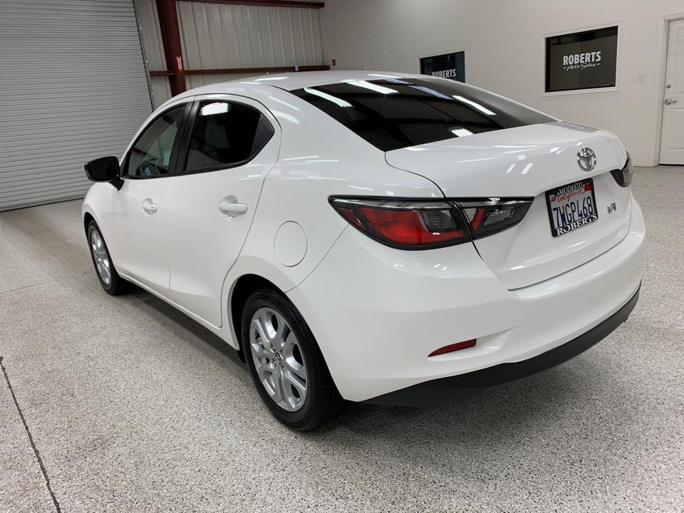Roberts Auto Sales 2017 Toyota Yaris IA