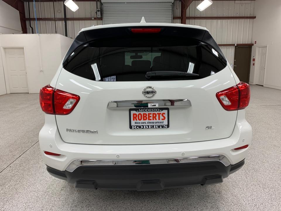 Roberts Auto Sales 2019 Nissan Pathfinder
