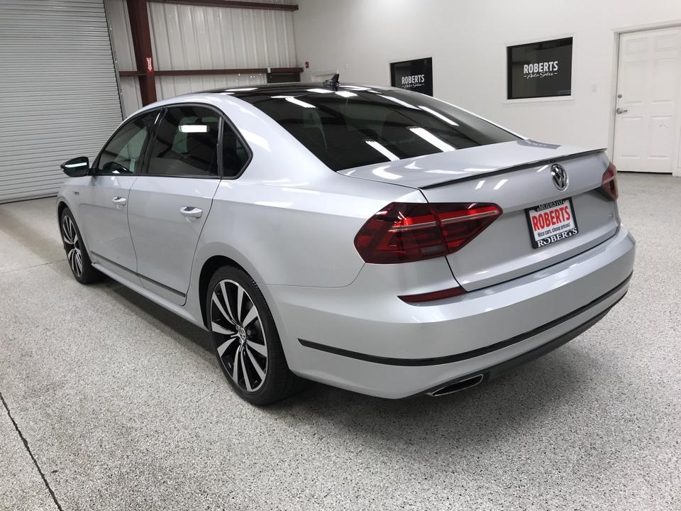 Roberts Auto Sales 2018 Volkswagen Passat