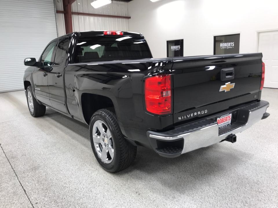 Roberts Auto Sales 2015 Chevrolet Silverado 1500