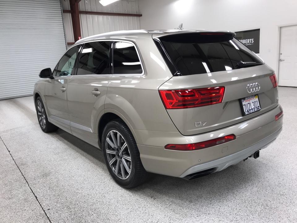 Roberts Auto Sales 2017 Audi Q7