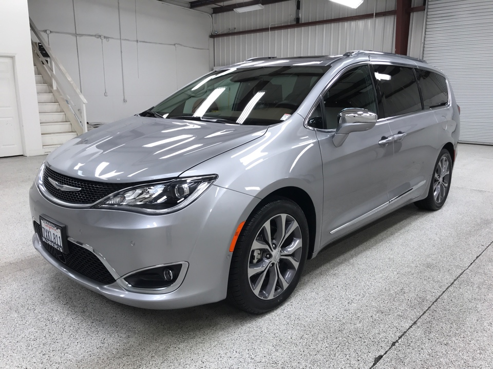 Roberts Auto Sales 2017 Chrysler Pacifica