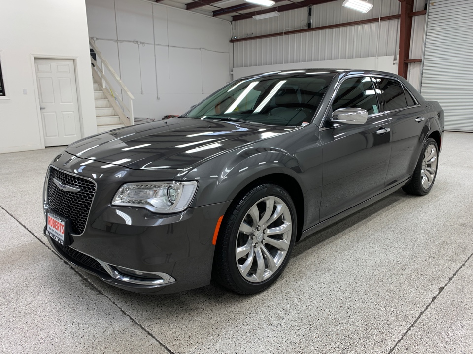 2019 Chrysler 300 - Roberts