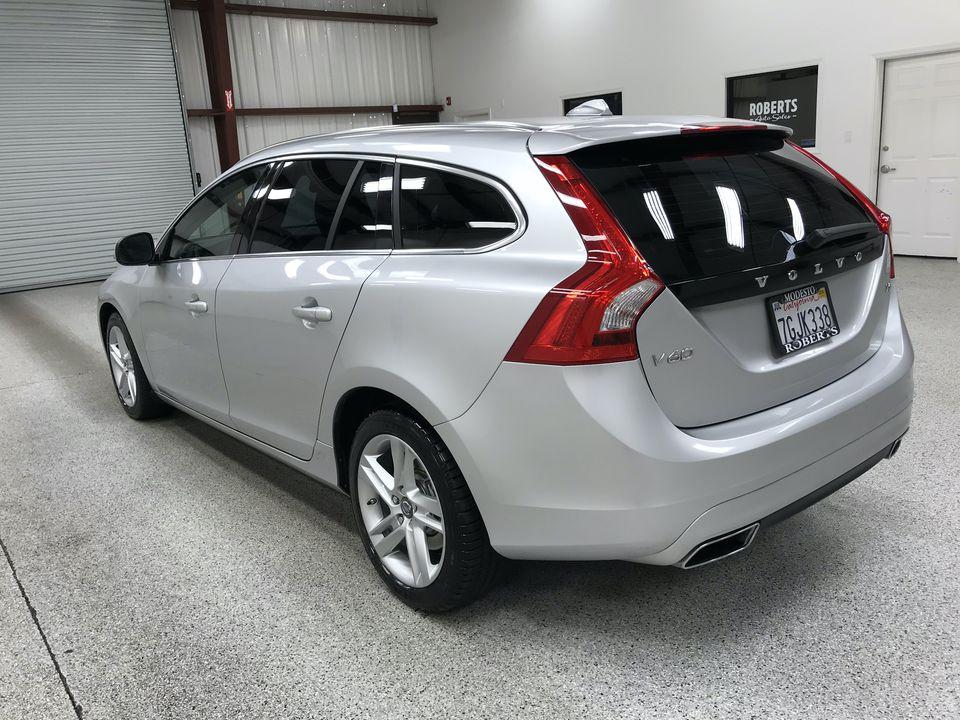 Roberts Auto Sales 2015 Volvo V60