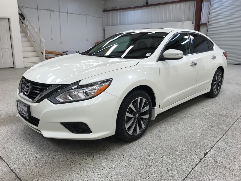 Roberts Auto Sales 2017 Nissan Altima