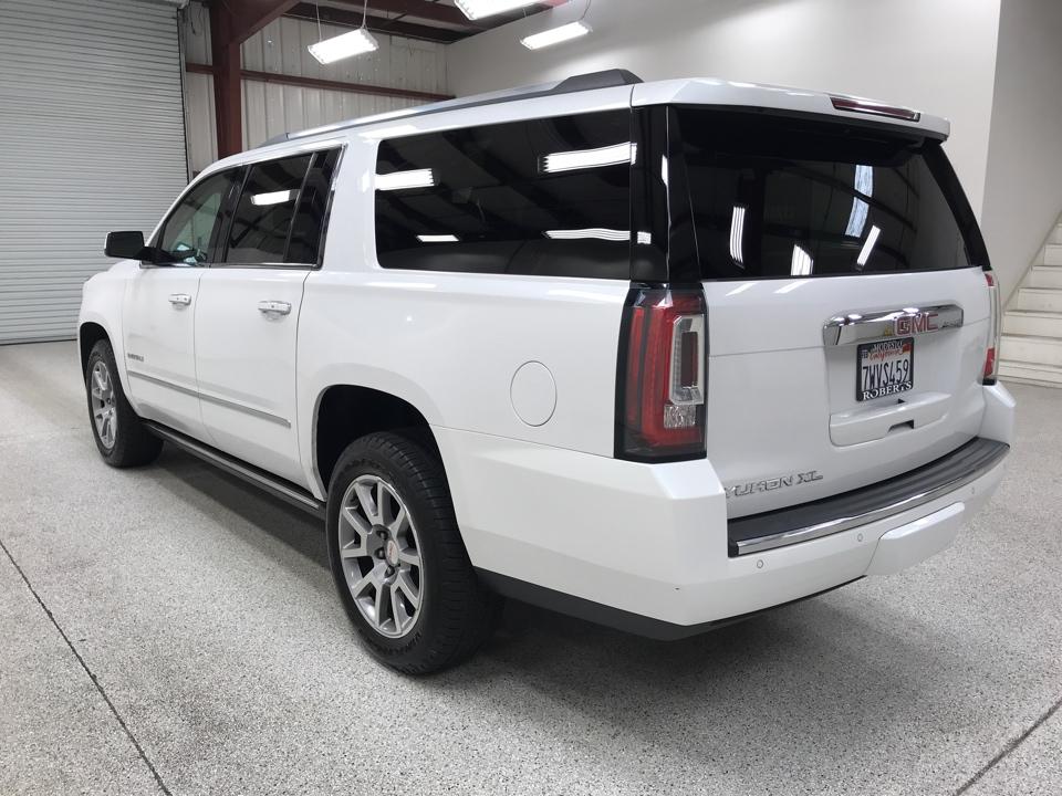 Roberts Auto Sales 2017 GMC Yukon XL
