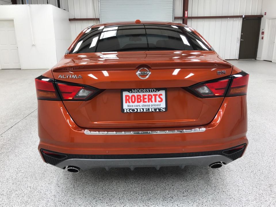 Roberts Auto Sales 2020 Nissan Altima