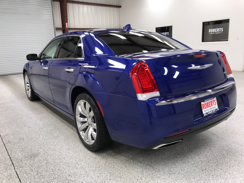 Roberts Auto Sales 2019 Chrysler 300