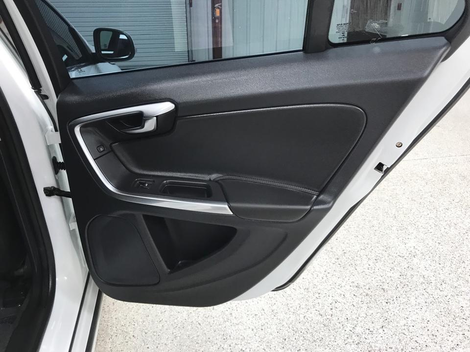 2017 Volvo V60 - Roberts