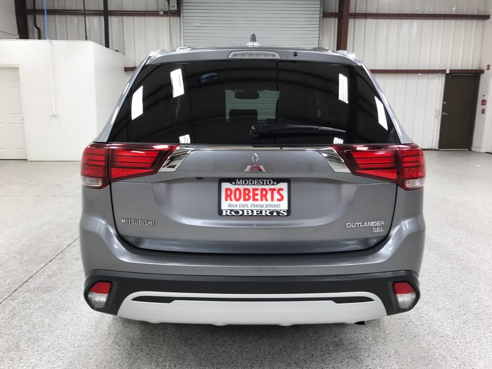 Roberts Auto Sales 2019 Mitsubishi Outlander