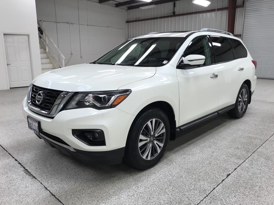 Roberts Auto Sales 2017 Nissan Pathfinder