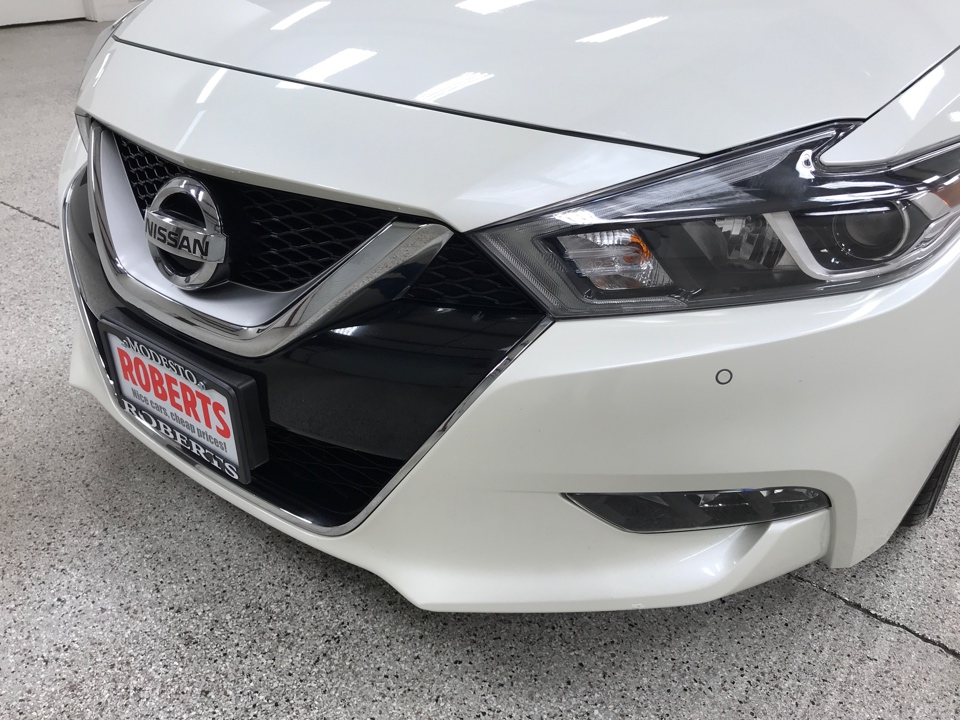 Roberts Auto Sales 2017 Nissan Maxima
