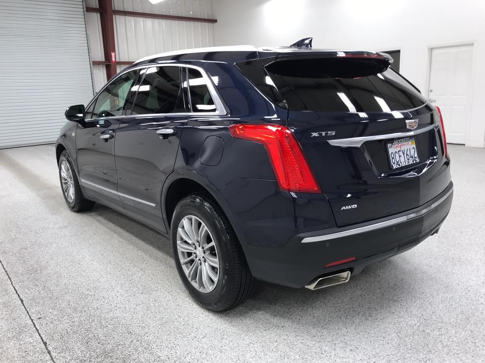 Roberts Auto Sales 2017 Cadillac XT5