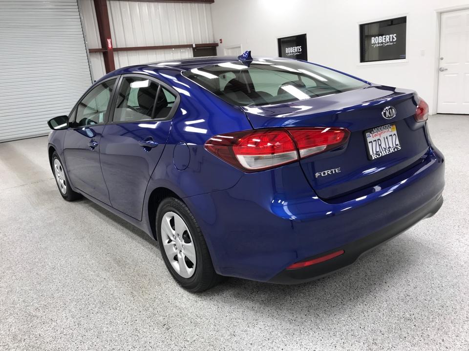 Roberts Auto Sales 2017 Kia Forte