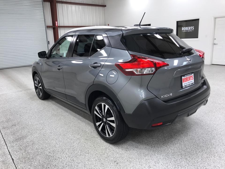 Roberts Auto Sales 2019 Nissan Kicks