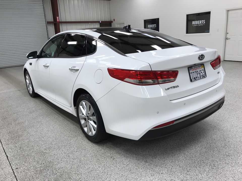 Roberts Auto Sales 2017 Kia Optima