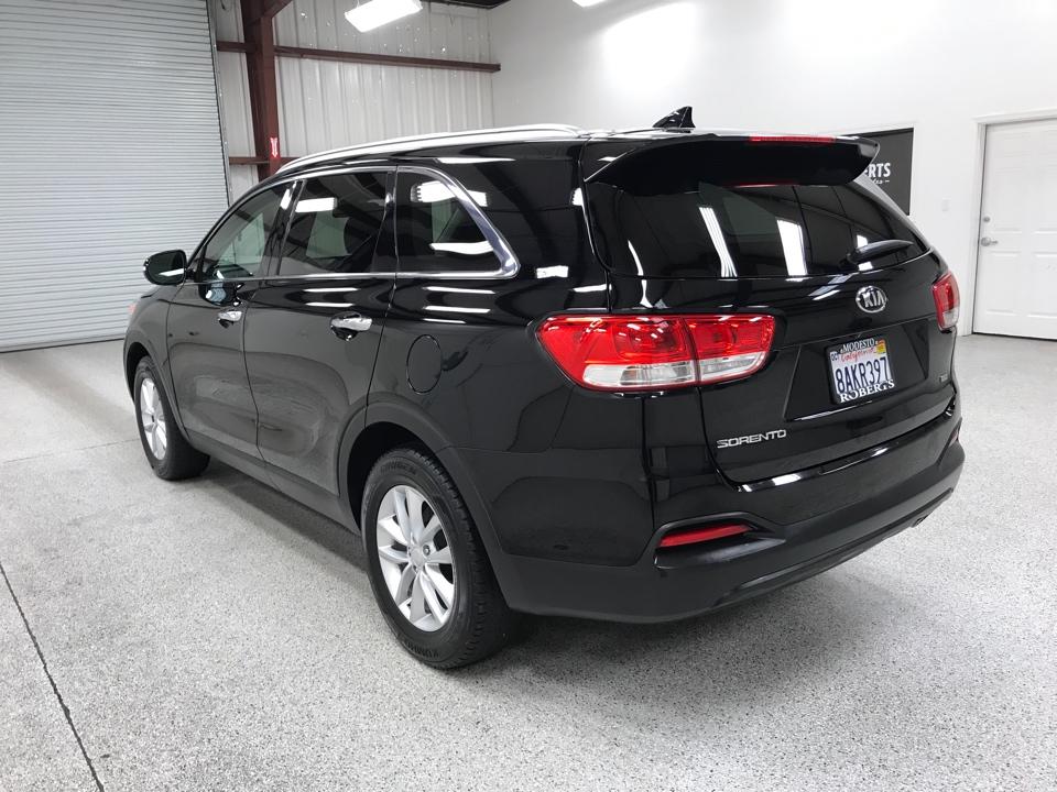 Roberts Auto Sales 2018 Kia Sorento