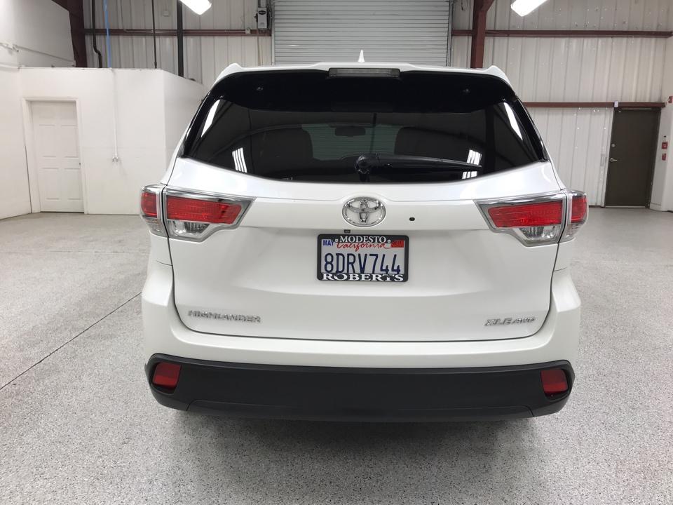 Roberts Auto Sales 2015 Toyota Highlander