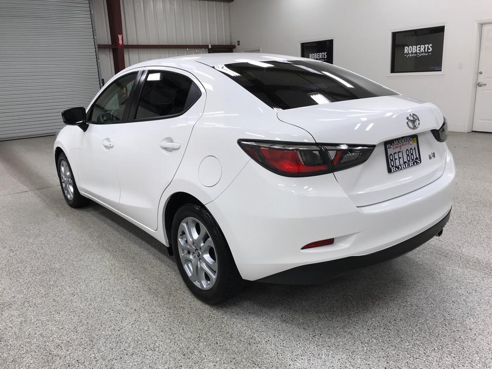 Roberts Auto Sales 2018 Toyota Yaris IA