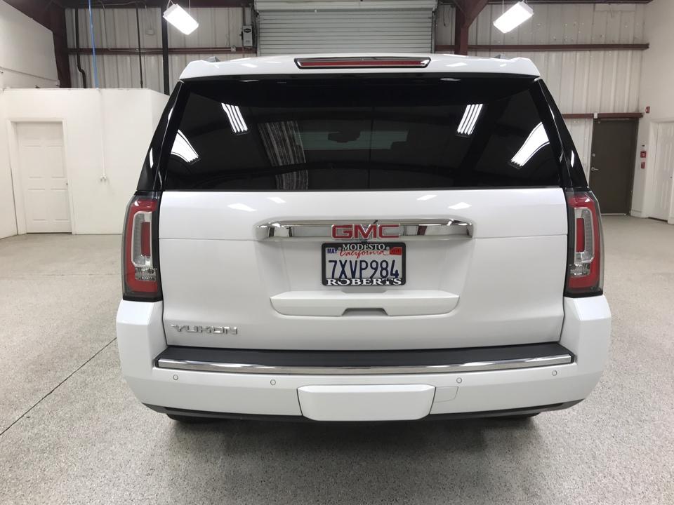 Roberts Auto Sales 2017 GMC Yukon