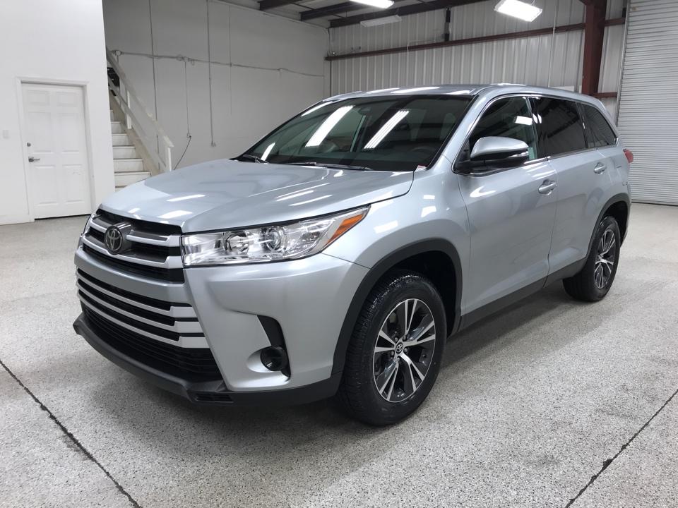 Roberts Auto Sales 2019 Toyota Highlander