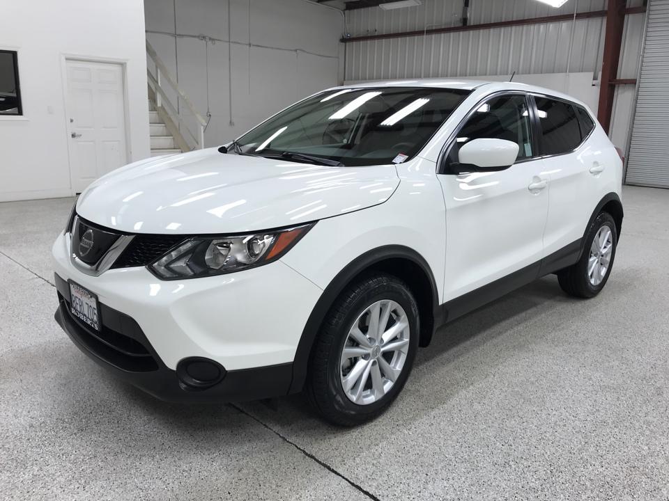 Roberts Auto Sales 2018 Nissan Rogue Sport