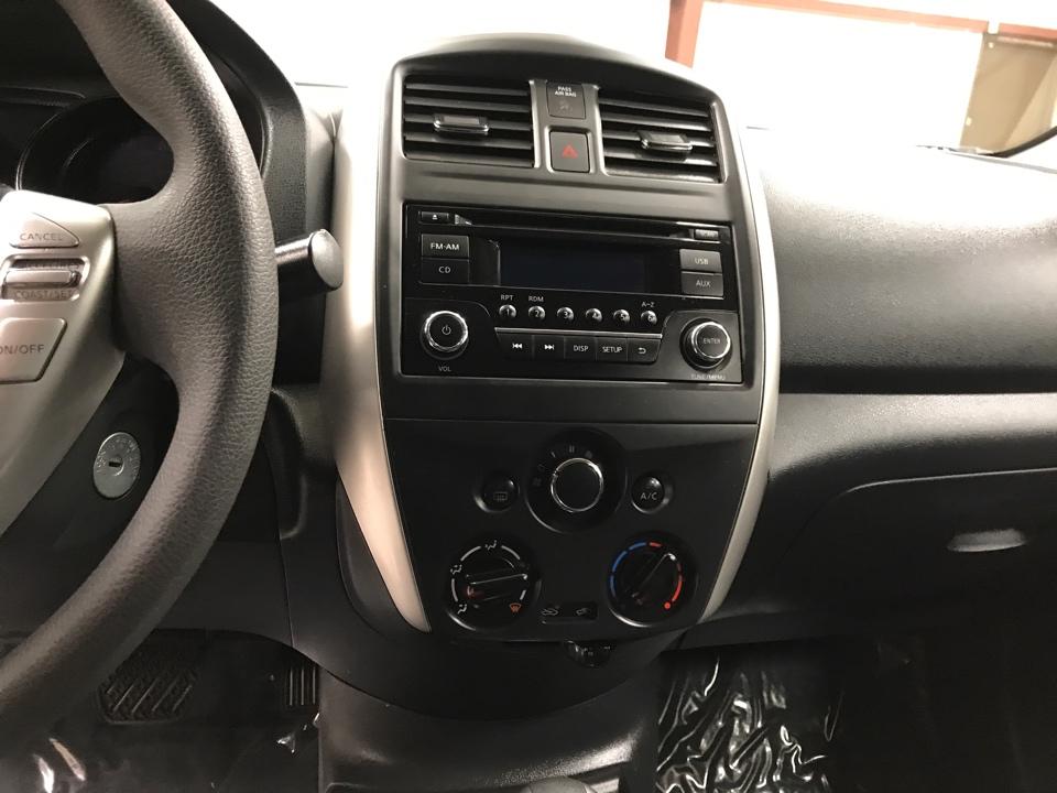 2016 Nissan Versa - Roberts