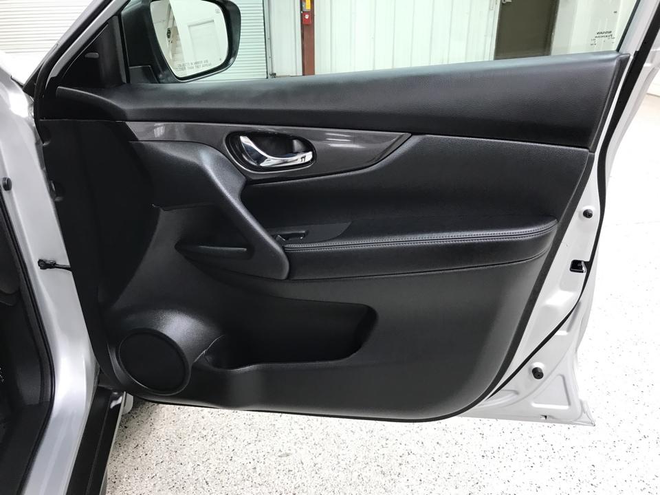 2020 Nissan Rogue - Roberts