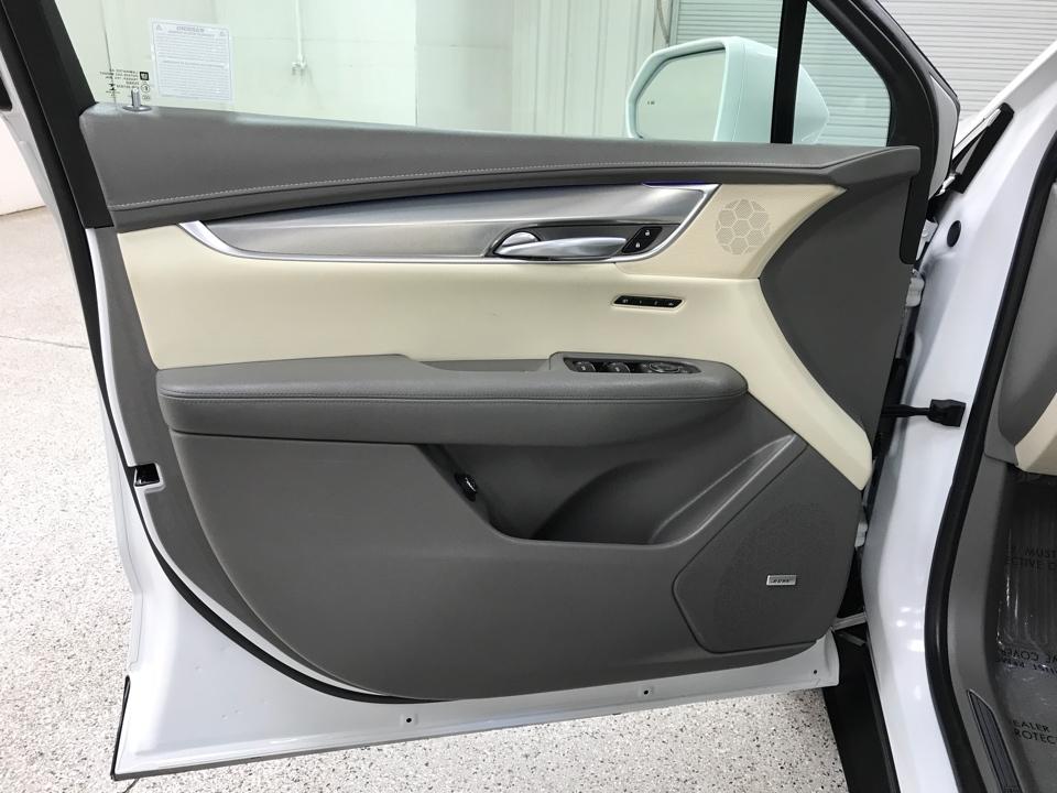 2017 Cadillac XT5 - Roberts