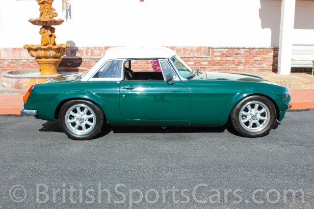 British Sports Cars car search / 1971 MG MGB