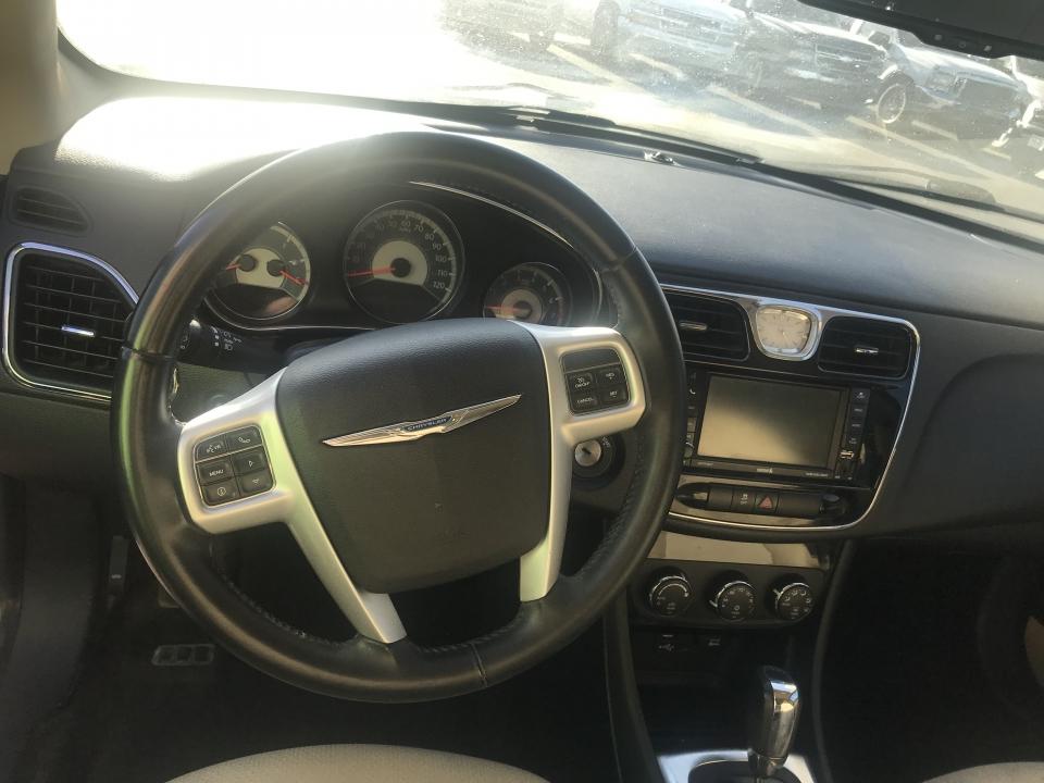 2013 Chrysler 200 Limited /
