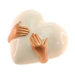 Adorno Decorativo Coração com Mãos Douradas - 13x12 cm