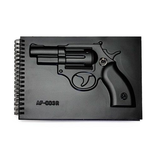 Agenda Capa Dura c/ Revolver em Alto Relevo - 24x17 cm