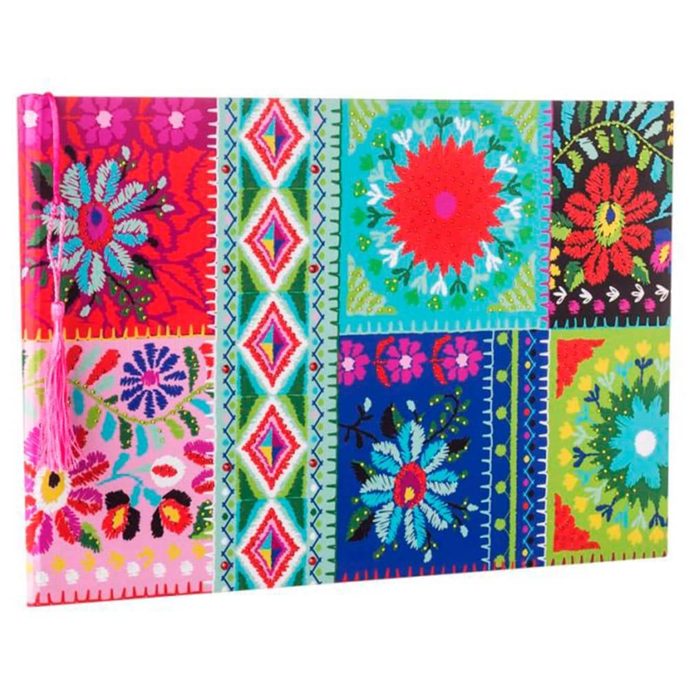 Álbum Patchwork Multicolorido Grande com Capa em Tecido - 35x24 cm