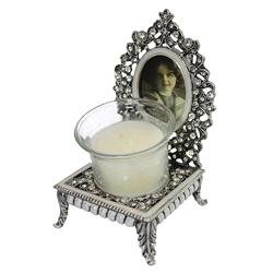 Castiçal Decorativo Diana em Metal - 14x8 cm R$ 289,80 R$ 189,80 3x de R$ 63,27 sem juros