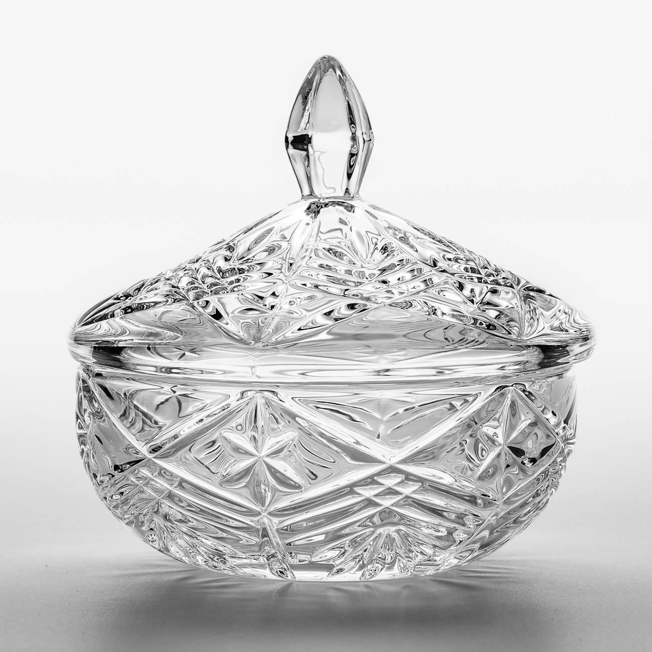 Bomboniere Taurus com Tampa em Cristal - Bohemia Crystalite - 15 cm