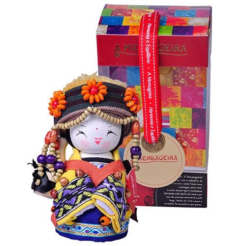 Boneca Decorativa Oriental Blang Pequeno em Tecido - 12x7 cm