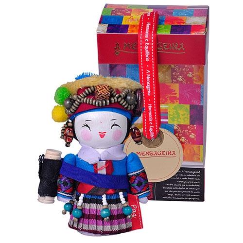 Boneca Decorativa Oriental Deang Pequeno em Tecido - 12x7 cm