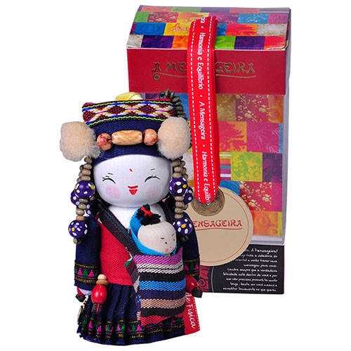 Boneca Decorativa Oriental Hani Pequeno em Tecido - 12x7 cm